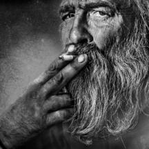 Starý kuřák / Old smoker